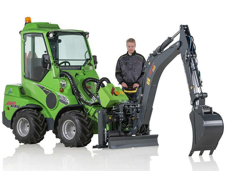 Backhoe 260 with remote control :: Avant