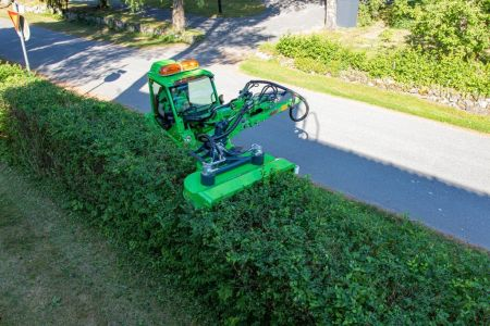 S30-Rotary-hedge-cutter-2.jpg