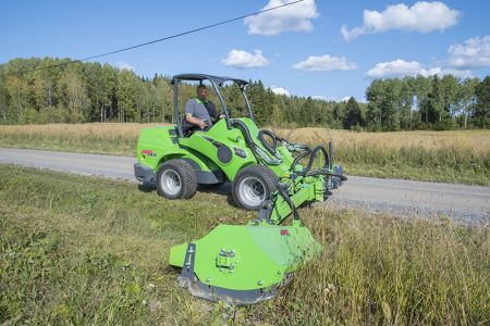 avant_niittomurskain_sivupuomilla_flail_mower_with_hydraulic_side_arm _3.jpg