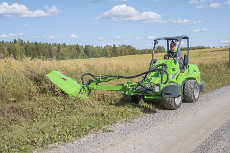 avant_niittomurskain_sivupuomilla_flail_mower_with_hydraulic_side_arm _2.jpg