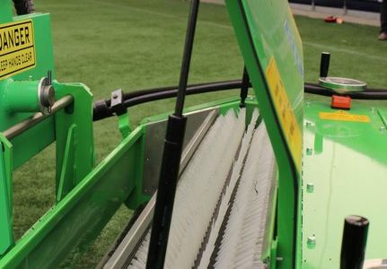 A36494  Artificial turf attachment ATA1200 work 12.JPG