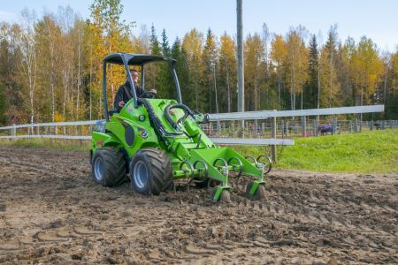 A36555 Front cultivator work 2.jpg