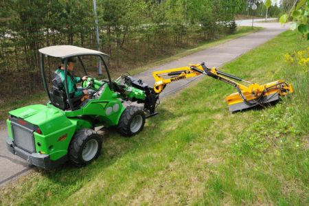 avant_flail_mower_with_hydraulic_boom_4.jpg