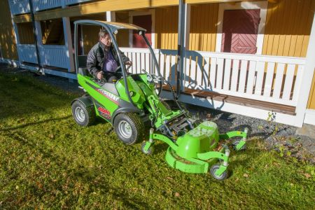 A35965 Lawn mower 1200 work 23.jpg