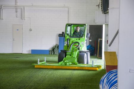 A37058 Artificial turf maintenance brush work 2.jpg