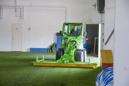 A37058 Artificial turf maintenance brush work 2.jpg
