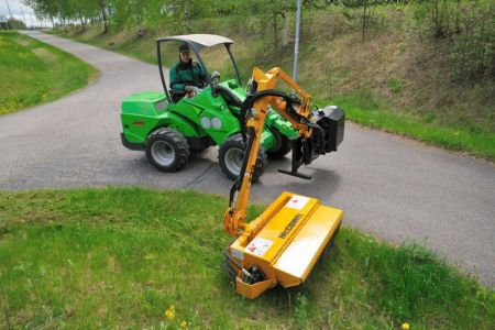 avant_flail_mower_with_hydraulic_boom_2.jpg