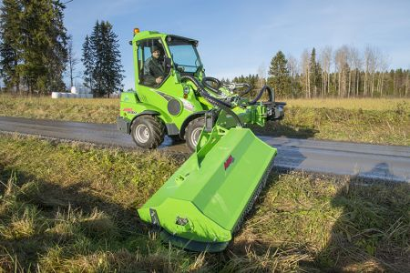 avant_niittomurskain_sivupuomilla_flail_mower_with_hydraulic_side_arm _1.jpg